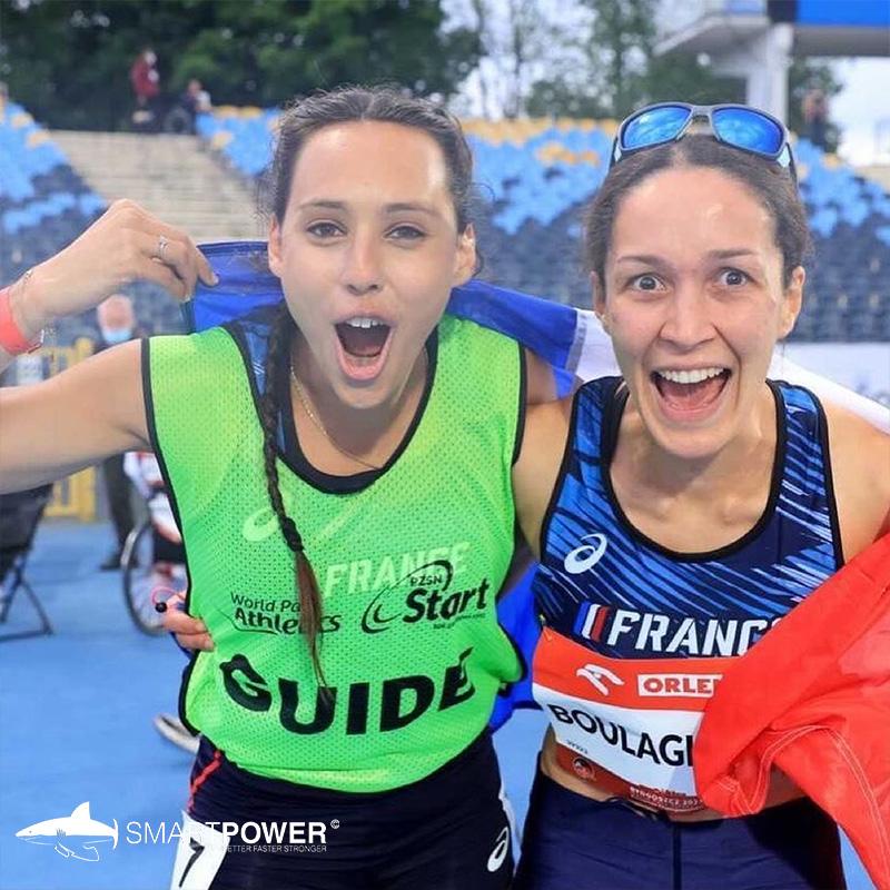 Farah-Clerc-et-Delya-Boulaghem-médaille-de-bronze-pointes-athlétisme-smartpower-mako
